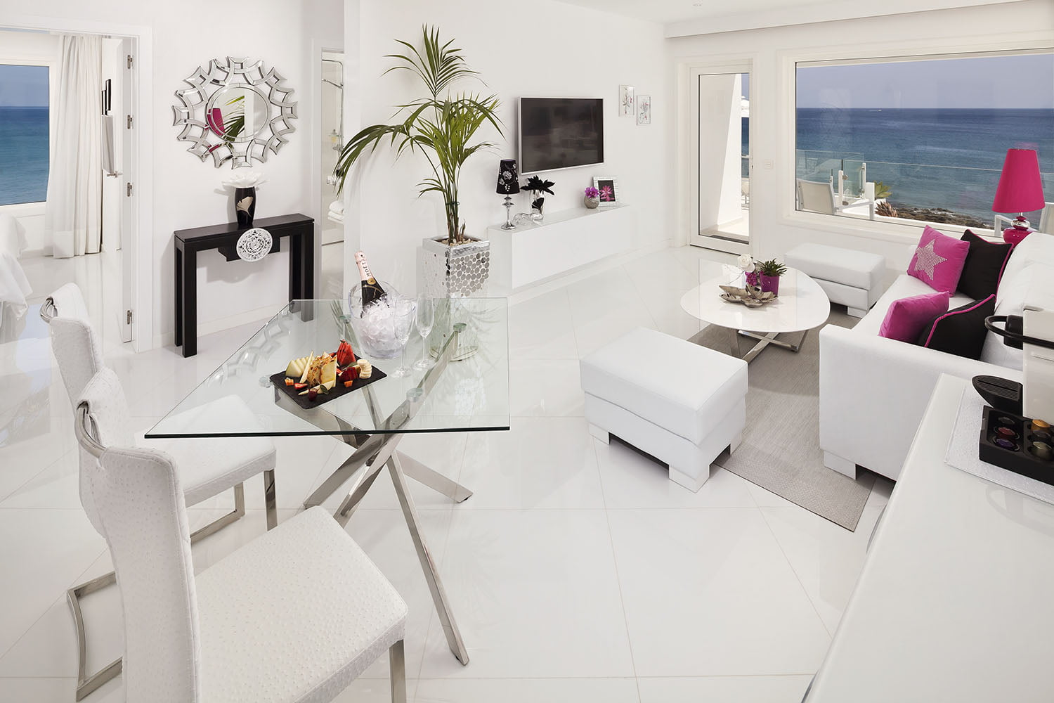 The lounge area of the exclusive Suite Lanis at Lani's Suites de Luxe in Puerto del Carmen