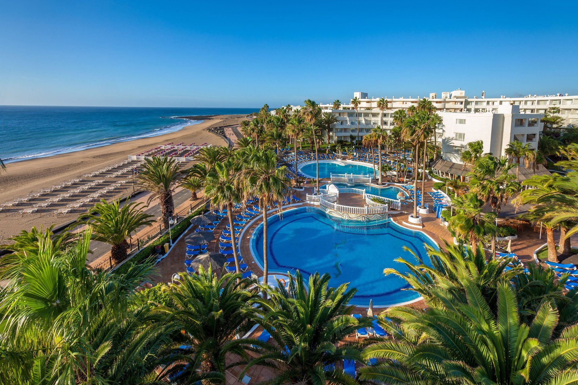 Swimming Pools, sunbathing terraces and beach front at Meliá Sol Lanzarote