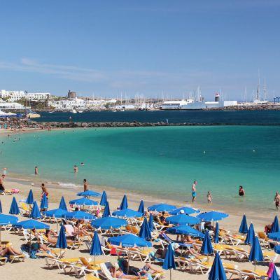 Playa Dorada is the busiest beach in Playa Blanca.